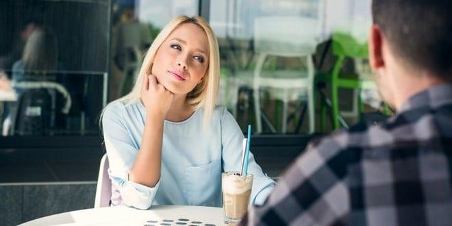 4 Tips Ampuh Menarik Perhatian Pria yang Ditaksir