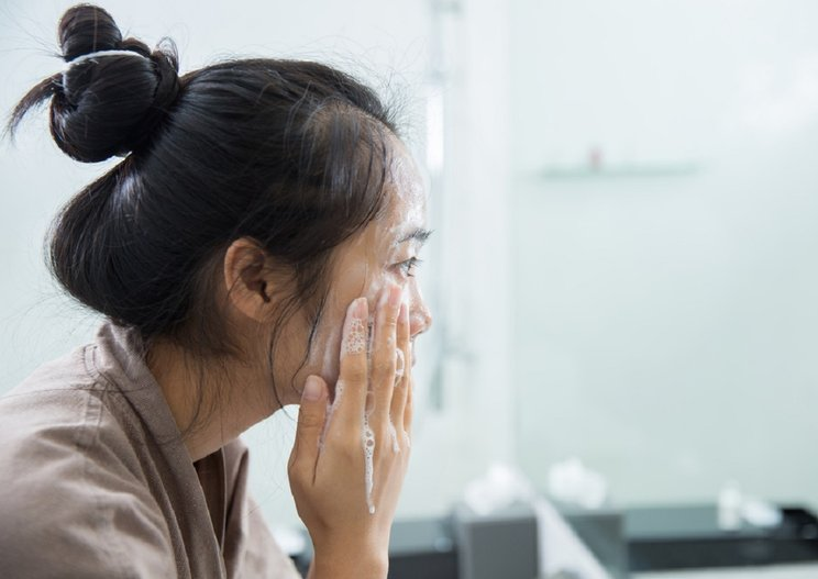 Tips Memilih Facial Wash Berdasarkan Jenis Kulit